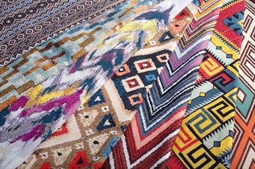 Гобелены с орнаментами килим, тартар, миссони