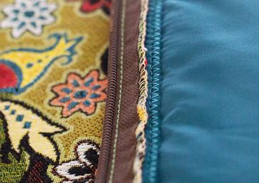 Все швы в бескаркасной мебели Ранга обрабатываются оверлоком