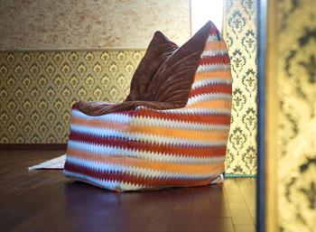 Кресло-пуф для мансарды загородного дома